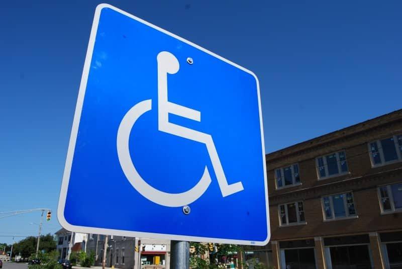 Quand l'handicapé est privé du droit de vote.